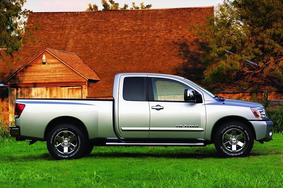 2005 Nissan Titan Photo 5 of 12