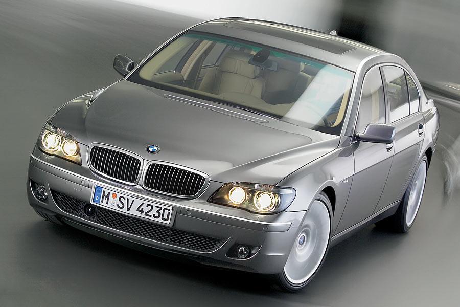 2006 BMW 750 Photo 2 of 9