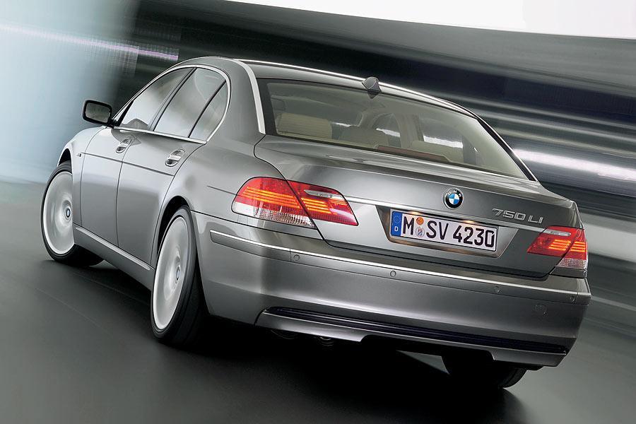 2006 BMW 750 Photo 3 of 9