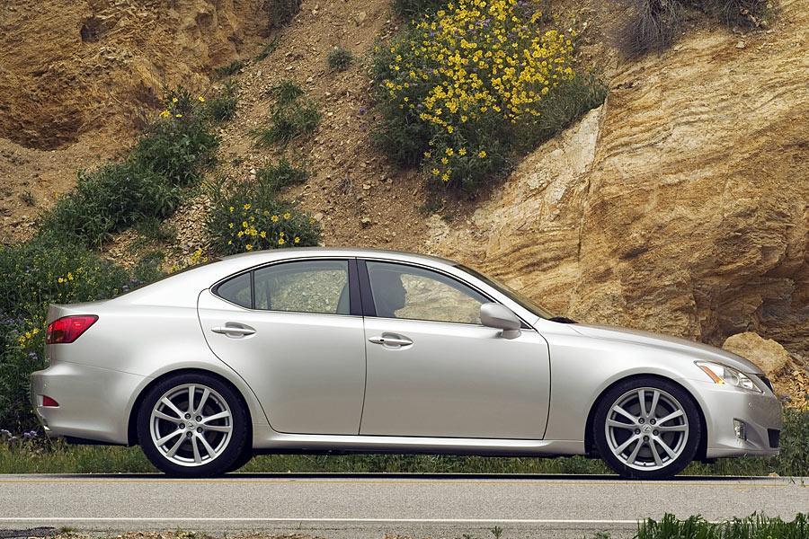 2006 Lexus IS 350 Photo 3 of 9