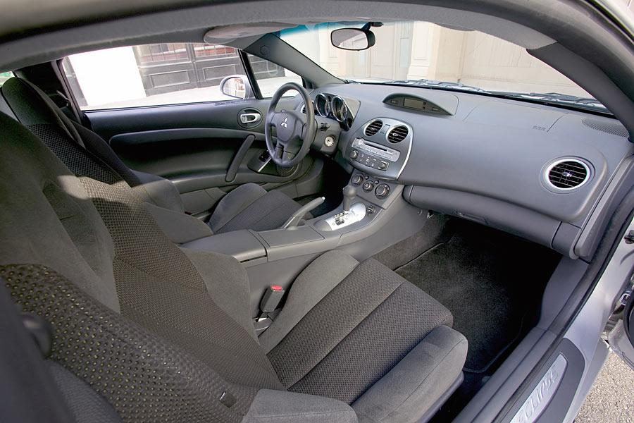 13 photos of 2006 mitsubishi eclipse available price range 3048 9344 trims2 combined mpg 22 26 seats 4 - Mitsubishi Eclipse 2006 Interior