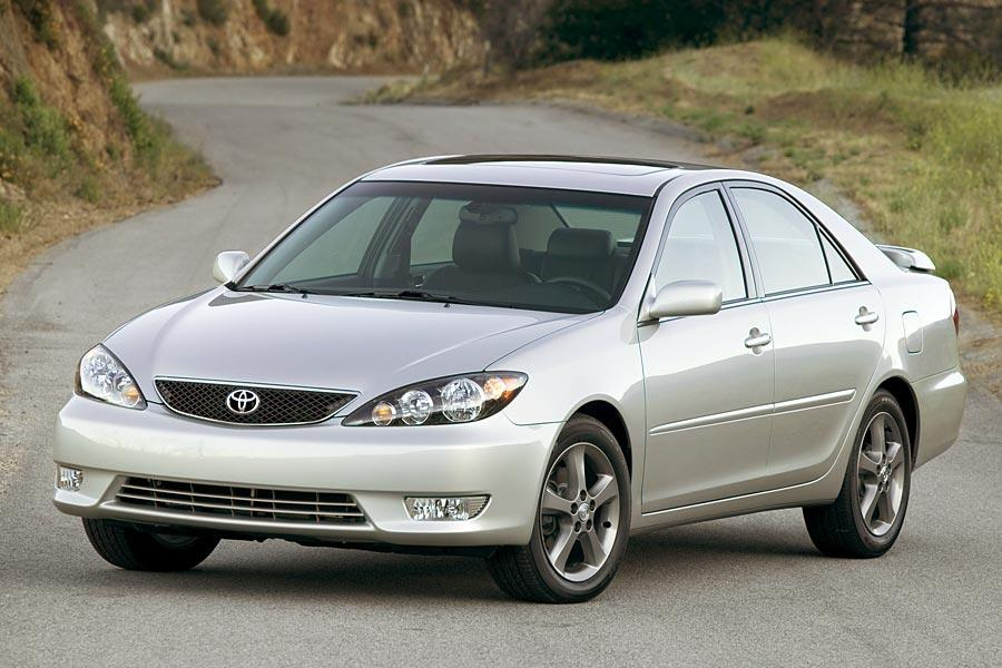 2006 Toyota Camry Photo 2 of 9