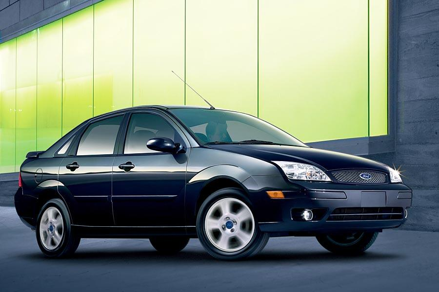 2006 ford focus overview for Ford focus 2006 interieur