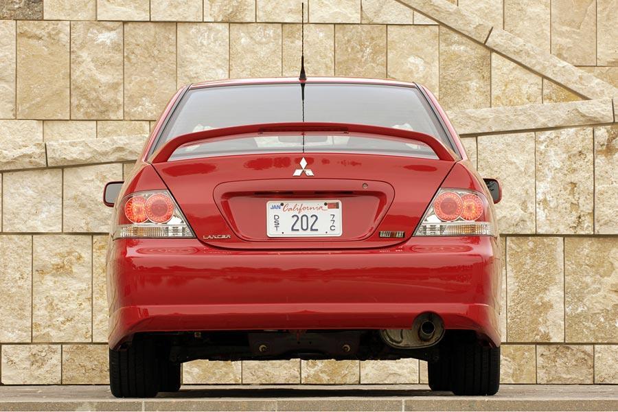 2006 Mitsubishi Lancer Photo 2 of 5