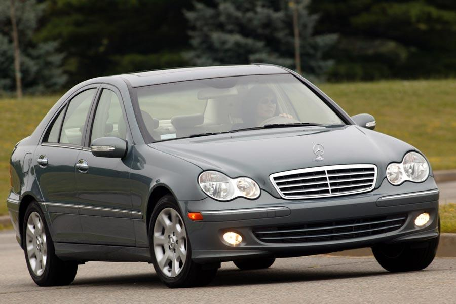 2006 mercedes benz c class overview for Mercedes benz c class service b