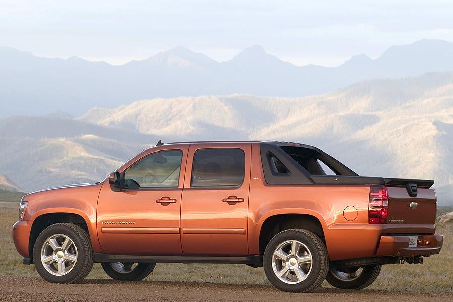2007 Chevrolet Avalanche Photo 4 of 15