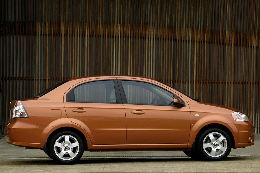 2007 Chevrolet Aveo Photo 2 of 14