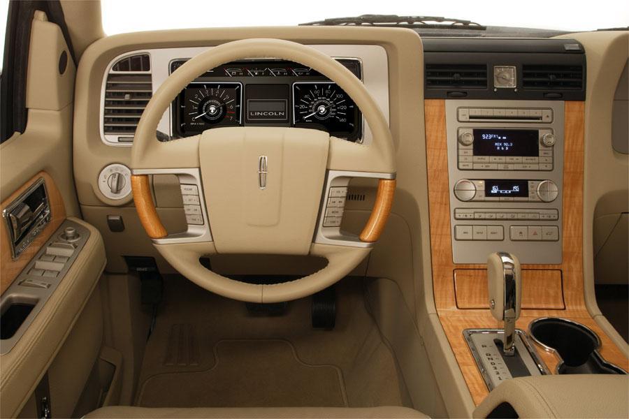 2007 Lincoln Navigator Photo 5 of 5