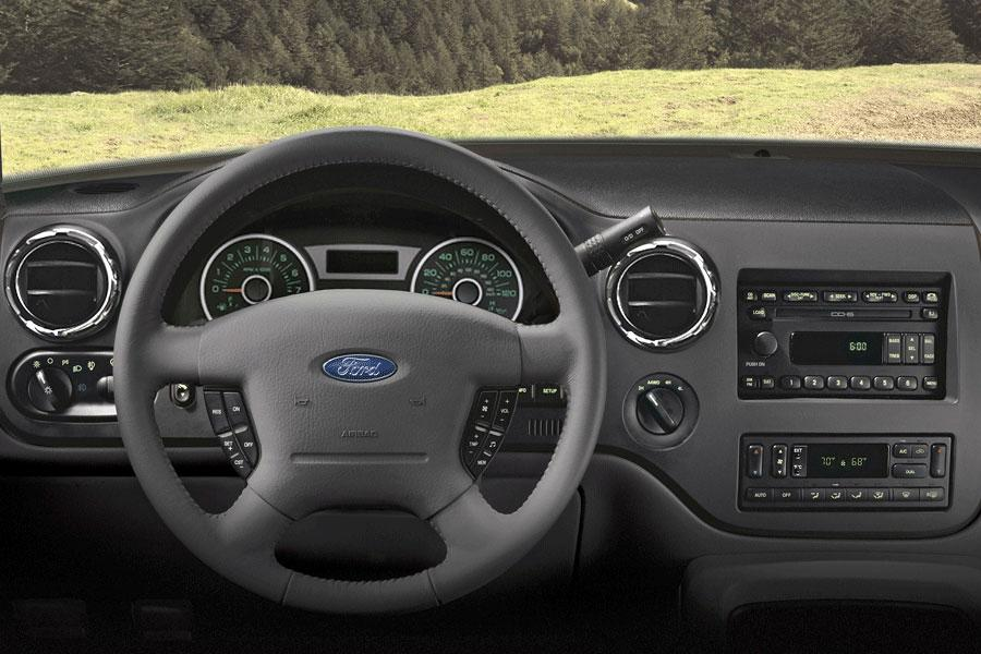 2006 Ford Expedition Photo 6 of 10