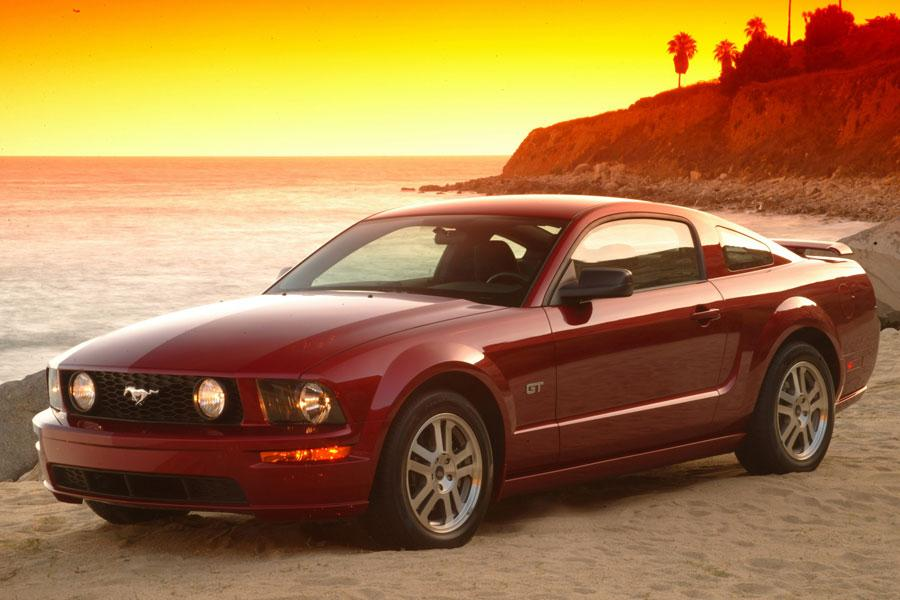 2006 ford mustang overview. Black Bedroom Furniture Sets. Home Design Ideas