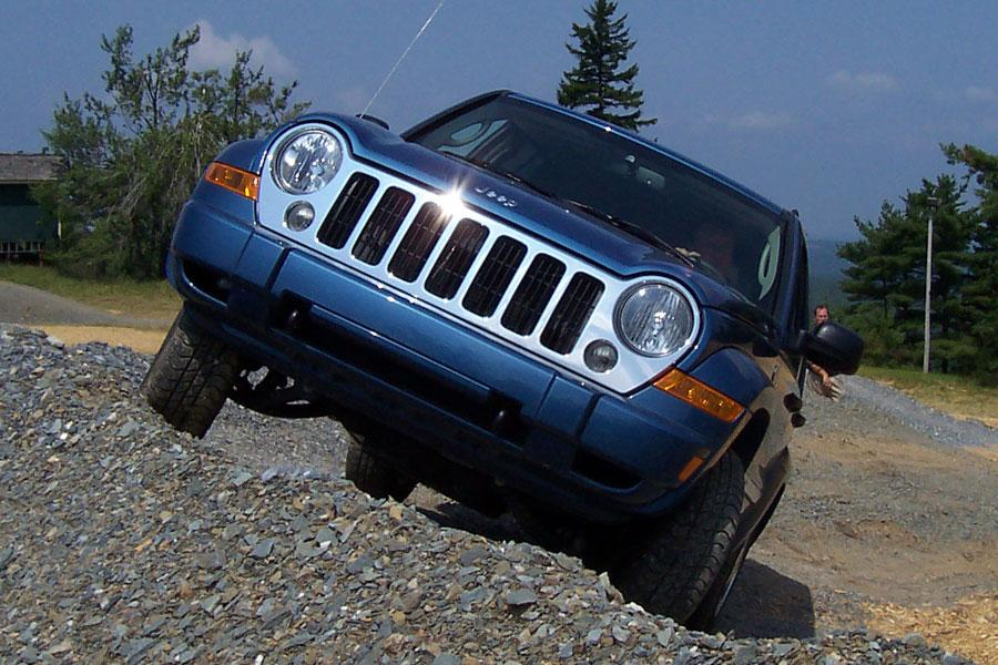 2006 Jeep Liberty Photo 4 of 8