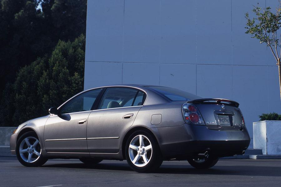 2006 Nissan Altima Overview  Carscom