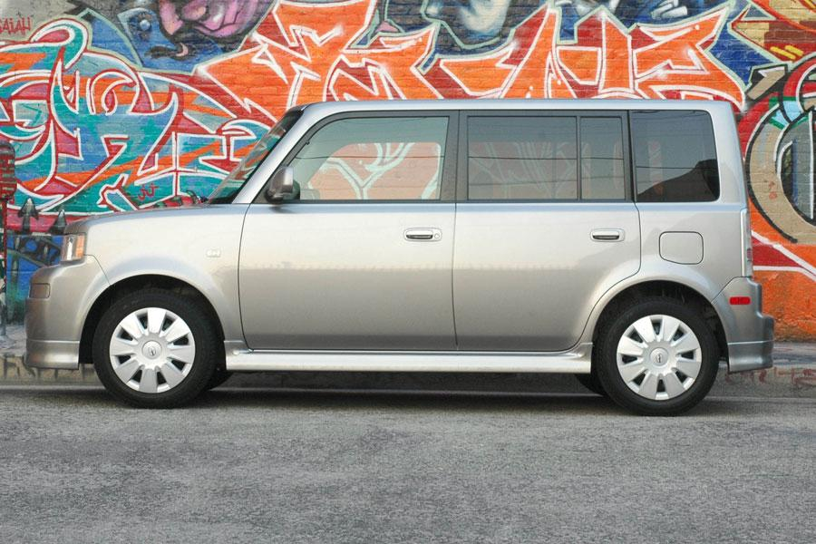 2006 Scion xB Photo 2 of 10