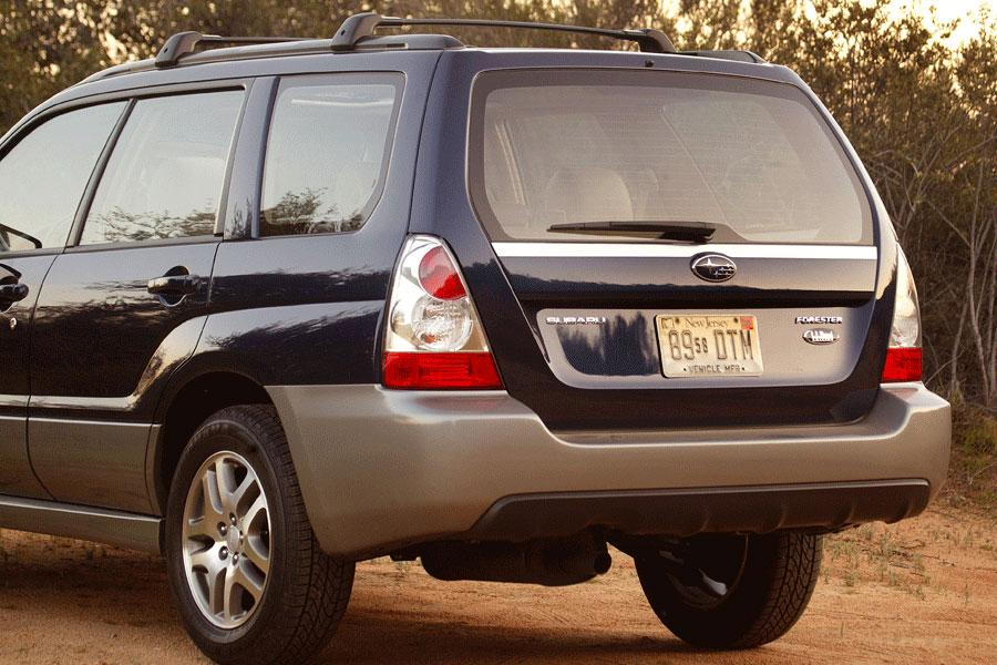 2006 subaru forester reviews specs and prices. Black Bedroom Furniture Sets. Home Design Ideas