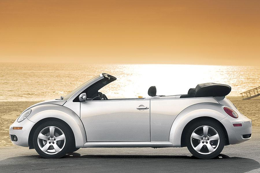 2006 volkswagen new beetle specs pictures trims colors. Black Bedroom Furniture Sets. Home Design Ideas