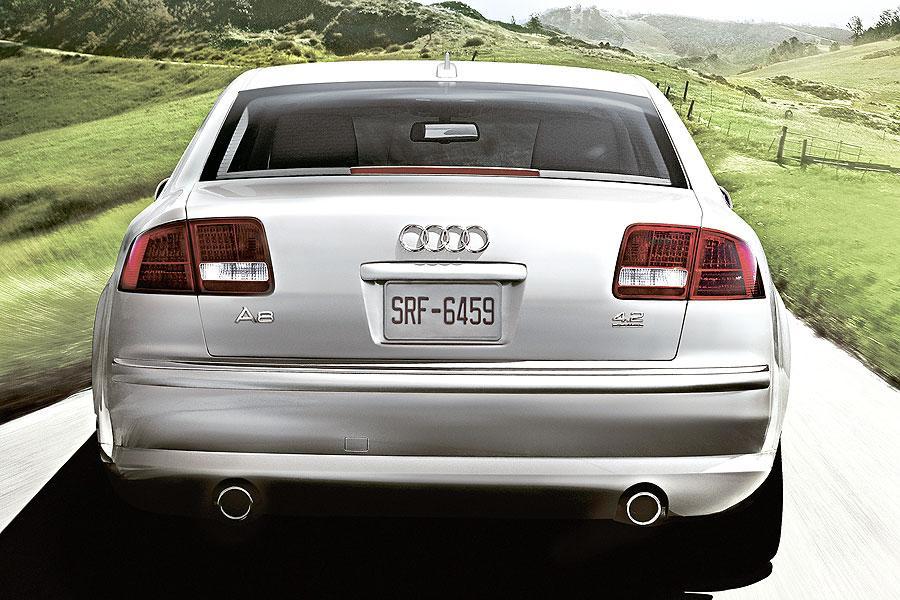 2007 Audi A8 Photo 2 of 6