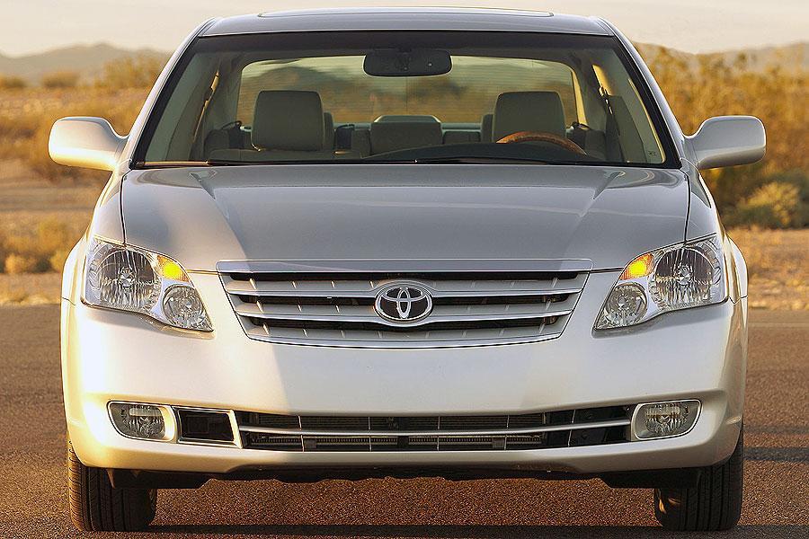 2007 Toyota Avalon Photo 2 of 10