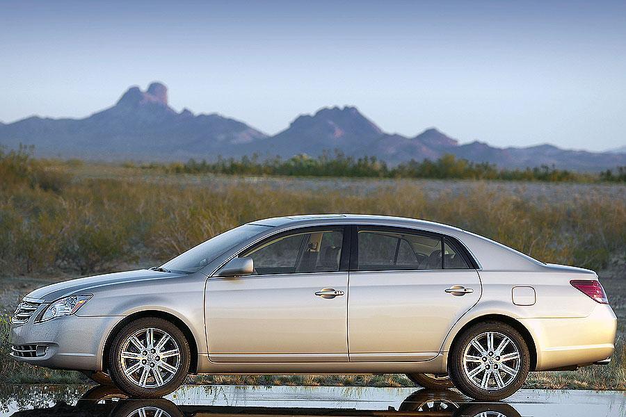 2007 Toyota Avalon Photo 4 of 10