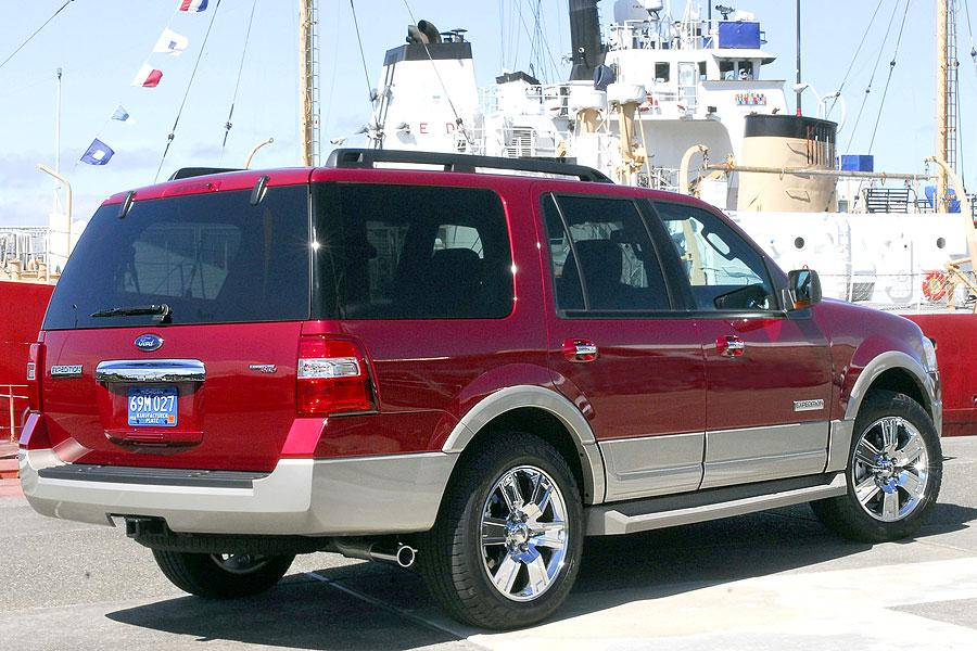 2007 Ford Expedition EL Photo 3 of 6