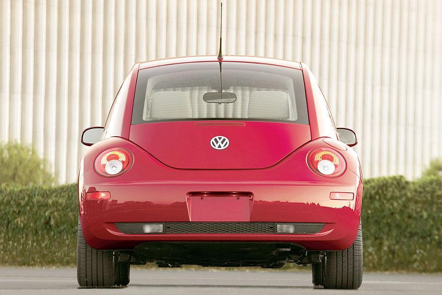 2007 Volkswagen New Beetle Photo 4 of 5