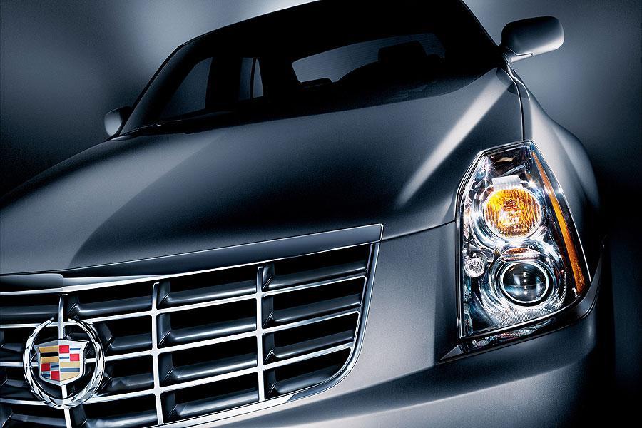 2007 Cadillac DTS Photo 2 of 5