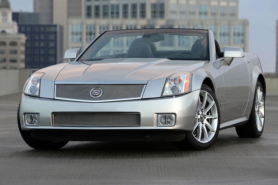 2007 Cadillac XLR Photo 2 of 5
