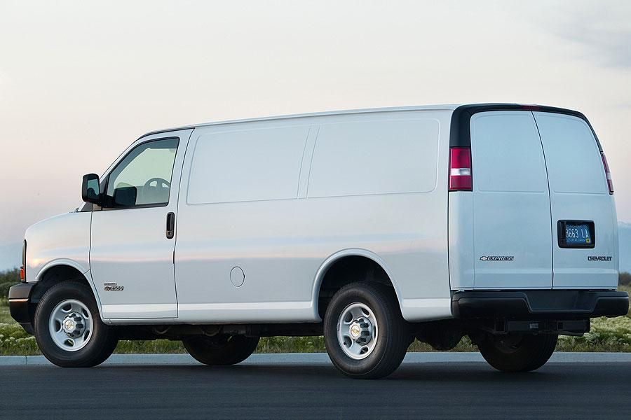 2007 Chevrolet Express 1500 Photo 4 of 6