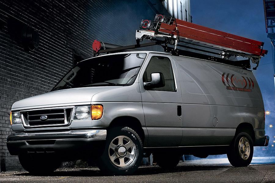 2007 Ford E150 Photo 2 of 4