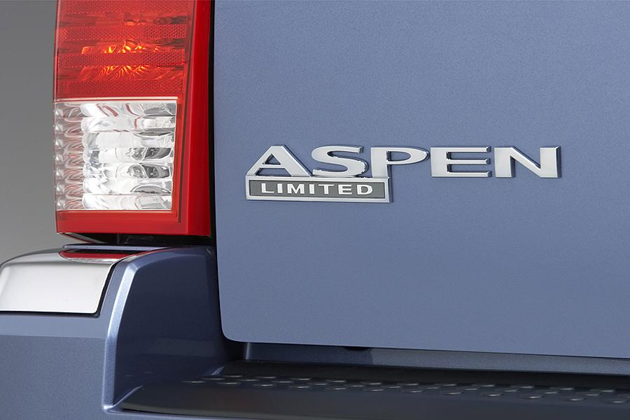 2007 Chrysler Aspen Photo 4 of 11