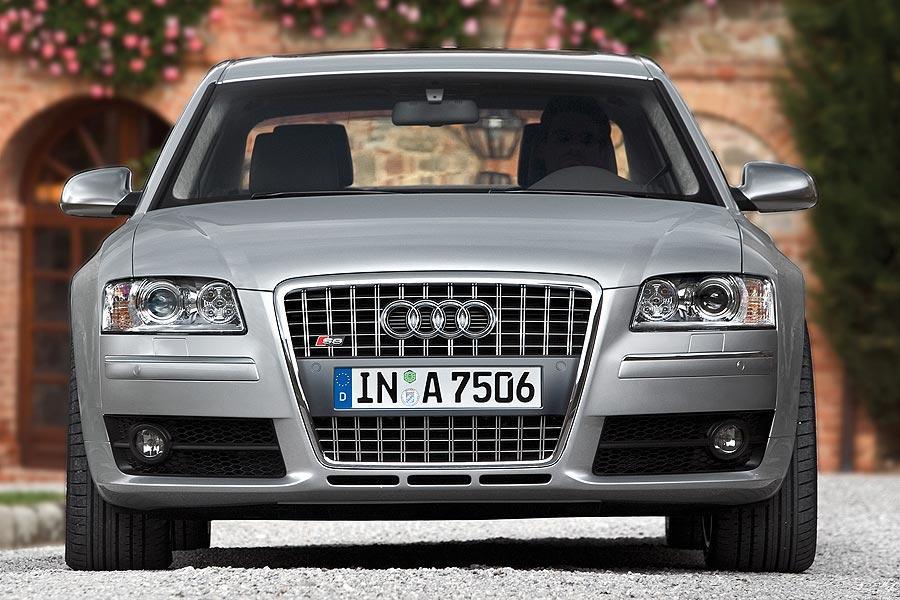 2007 Audi S8 Photo 3 of 11
