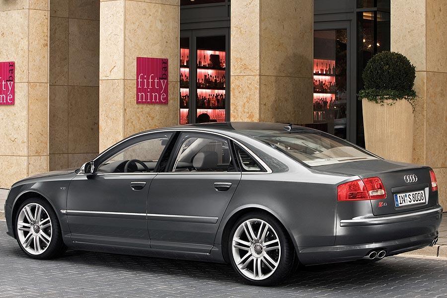 2007 Audi S8 Photo 5 of 11