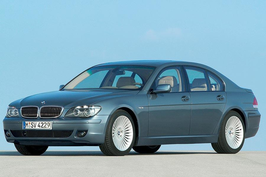 2007 BMW 750 Photo 1 of 12