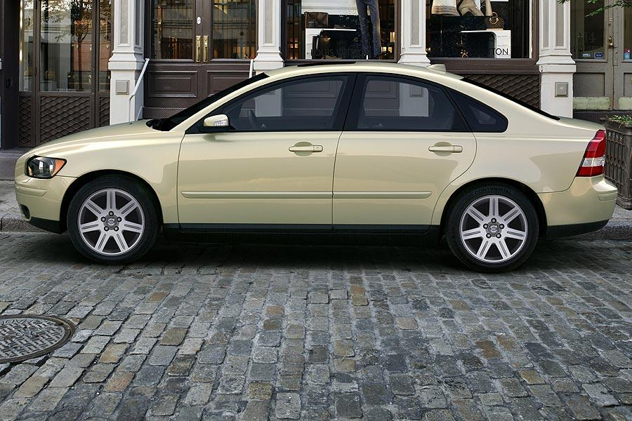 2007 Volvo S40 Photo 2 of 6