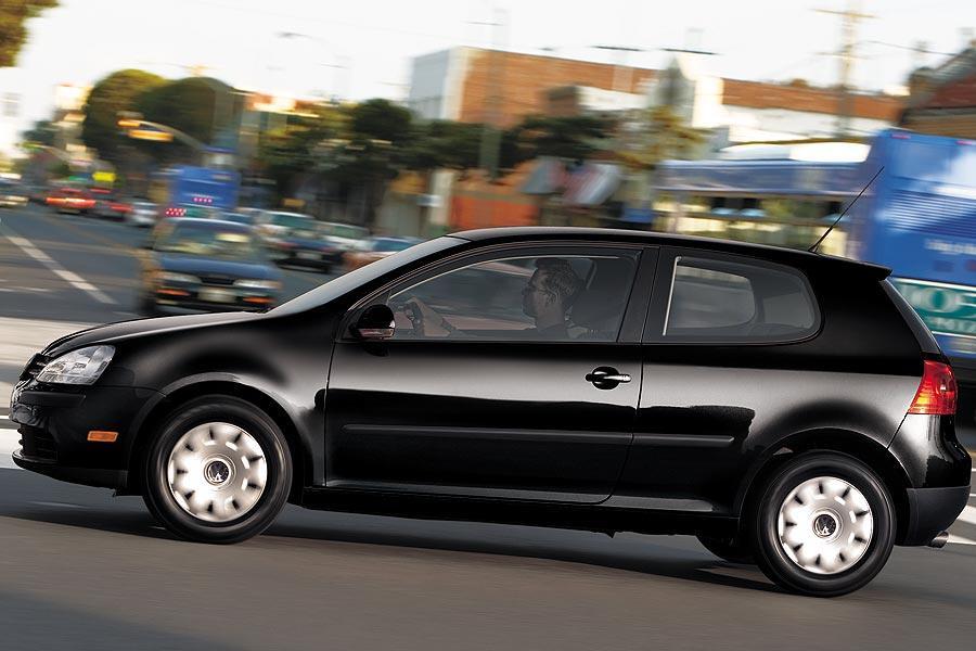2007 Volkswagen Rabbit Photo 2 of 9