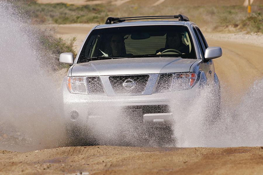 2007 Nissan Pathfinder Photo 2 of 11