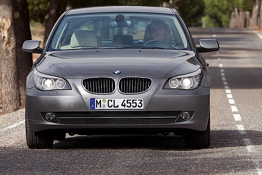 2008 BMW 528 Photo 3 of 14