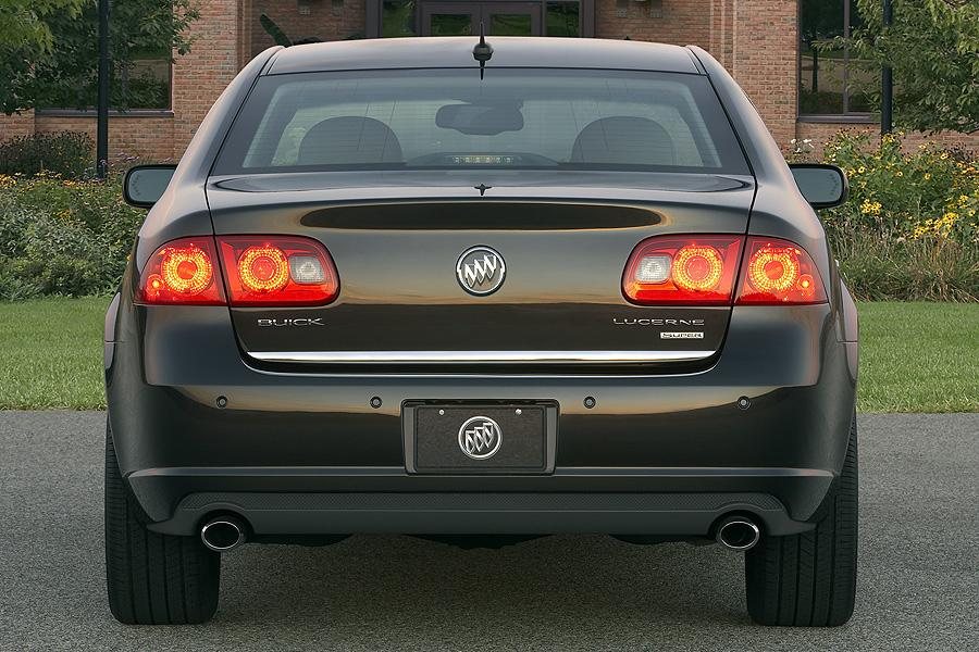 2008 Buick Lucerne Photo 2 of 8