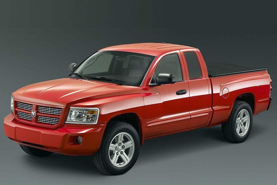 2008 Dodge Dakota Photo 2 of 17