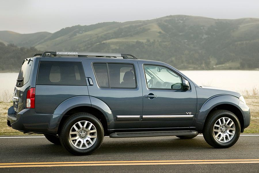 2008 Nissan Pathfinder Photo 3 of 10