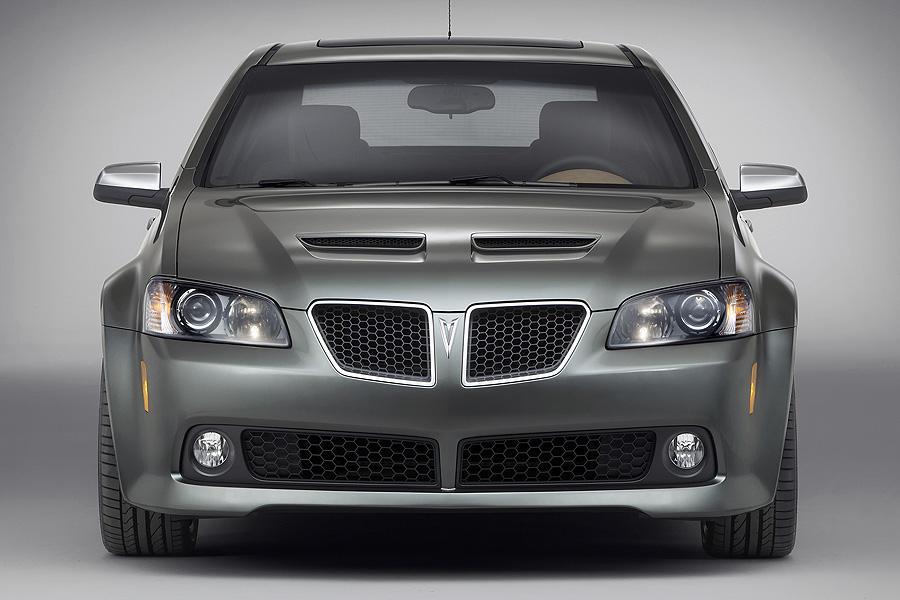2008 Pontiac G8 Photo 2 of 10