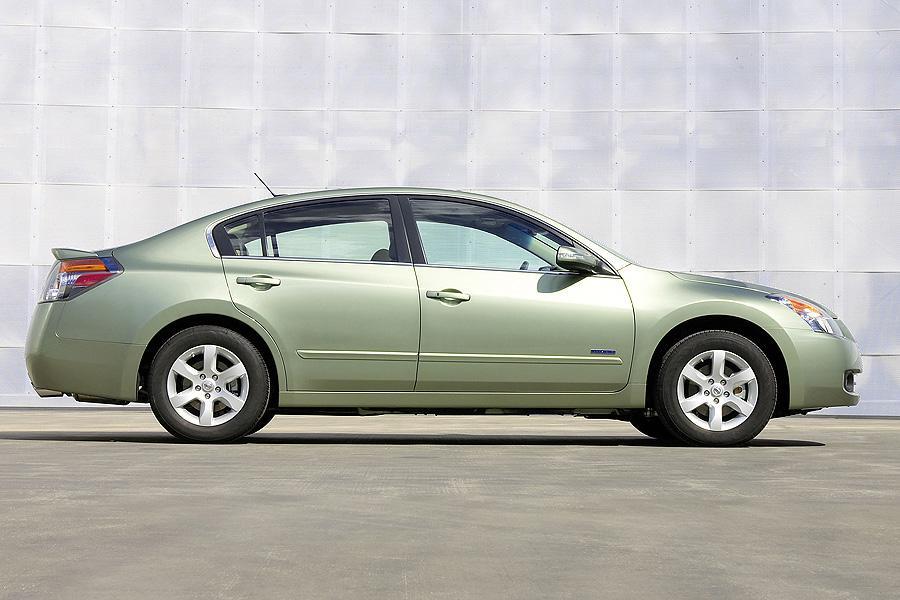 2007 Nissan Altima Hybrid Photo 2 of 11