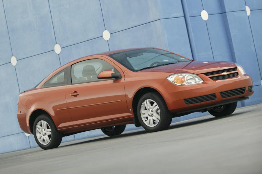 2008 Chevrolet Cobalt Photo 2 of 7