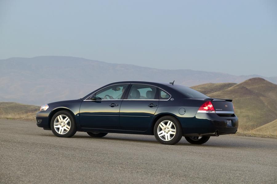 2008 Chevrolet Impala Photo 2 of 14