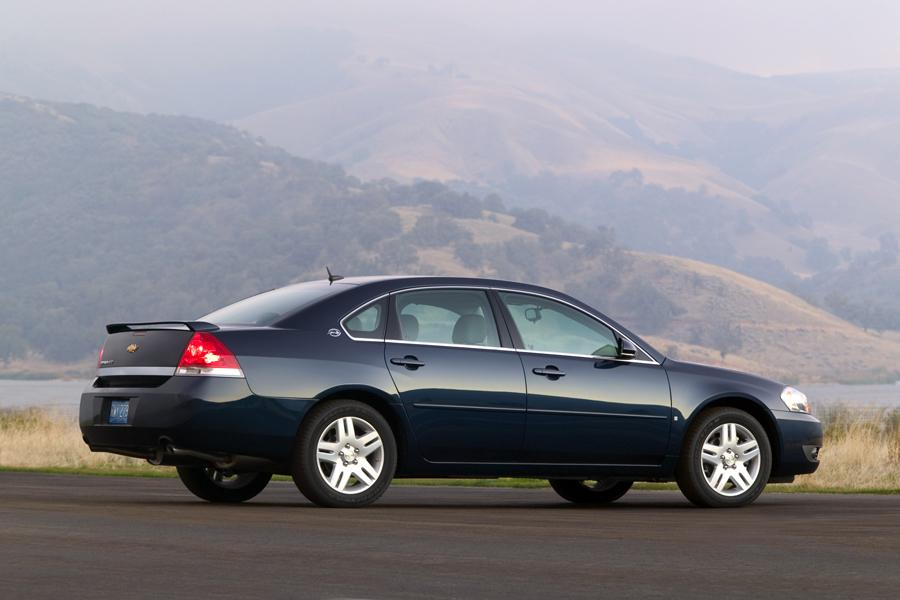 2008 Chevrolet Impala Photo 4 of 14
