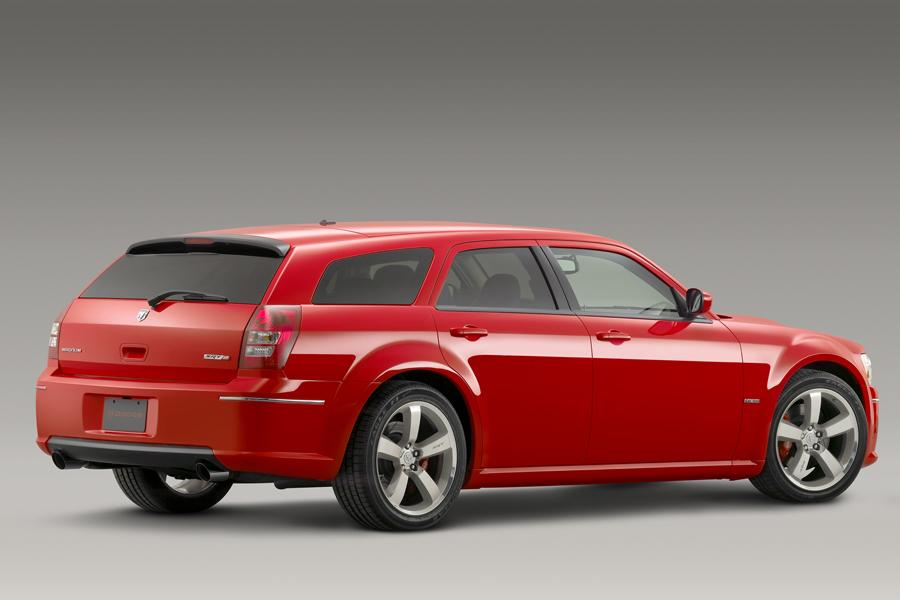Dodge Magnum Models, Price, Specs, Reviews | Cars.com