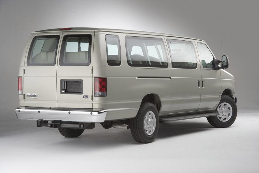 2008 Ford E150 Photo 3 of 7