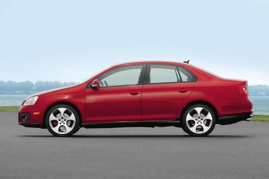 2008 Volkswagen Jetta Photo 2 of 15