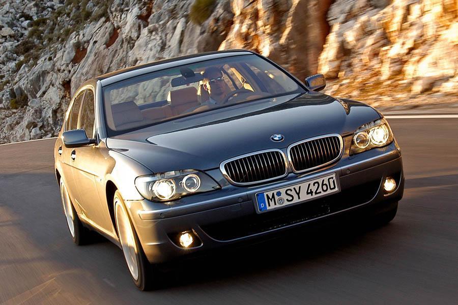 2008 BMW 750 Photo 2 of 6