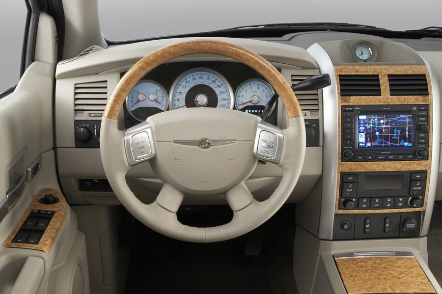 2008 Chrysler Aspen Overview Cars Com