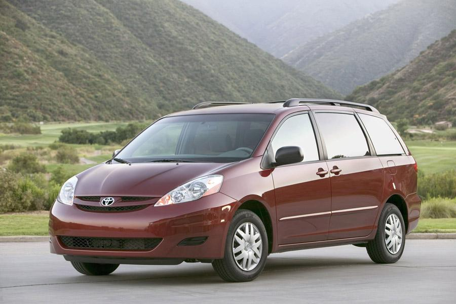 Drum Brakes Vs Disc Brakes >> 2008 Toyota Sienna Overview | Cars.com